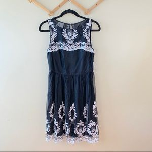 3/30$ Muse NWT Embroidered Tea Dress